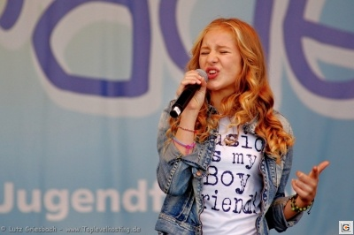 Rita Gueli - On Stage bei der Kids Parade 2013 Berlin_5